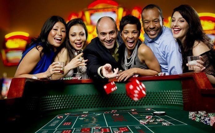 groep mensen in het casino